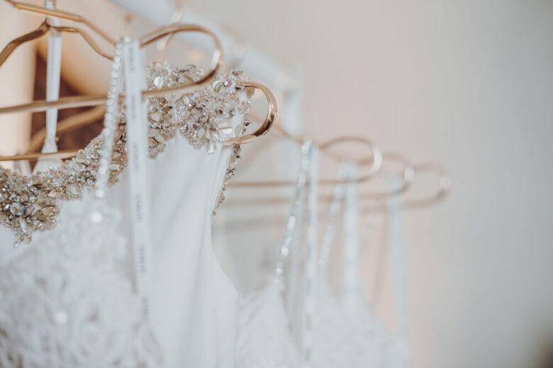 Wedding Dress Hanger.Top 20 Fabulous Wedding Dress Hangers In 2019 Royal Wedding